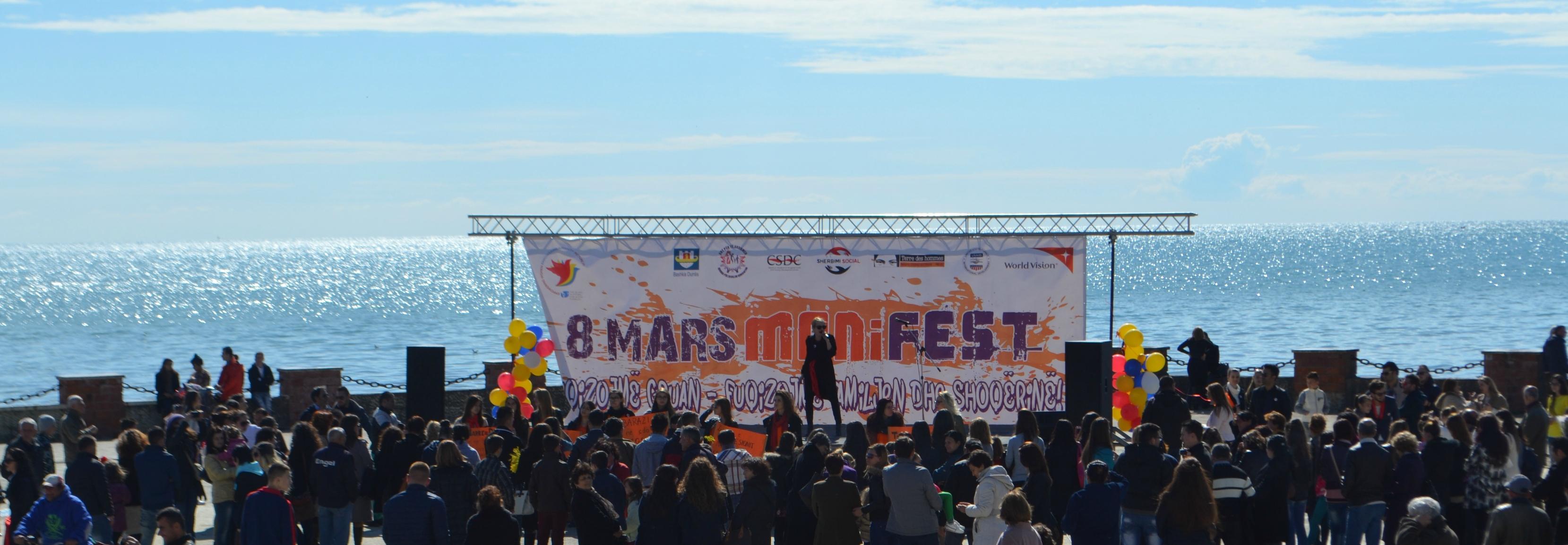 1.5.1-8-Mars-Marshojmë-këndojmë-protestojmë-për-të-drejtat-e-grave11